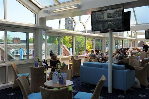 melrose club lounge