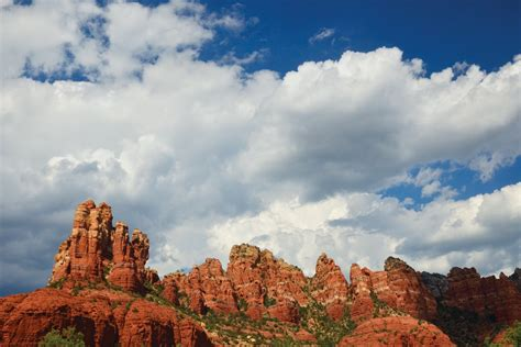 enjoy  dog days  summer  pet friendly hikes  sedona lauberge de sedona