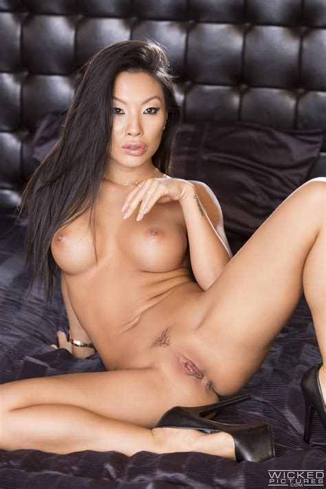 asian beauty likes casual sex adventures photos asa akira milf fox