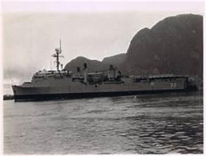 Spiegel Groß Weiß : 1000 images about gator navy on pinterest ships fast boats and denver ~ Markanthonyermac.com Haus und Dekorationen