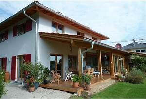 überdachte Terrasse Holz : holzhaus energieeffizienzhaus w rlein in die en proligna ~ Whattoseeinmadrid.com Haus und Dekorationen