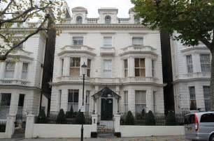 beckham home interior david and beckham buy 600 000 damien hirst for 39 s bedroom huffpost uk