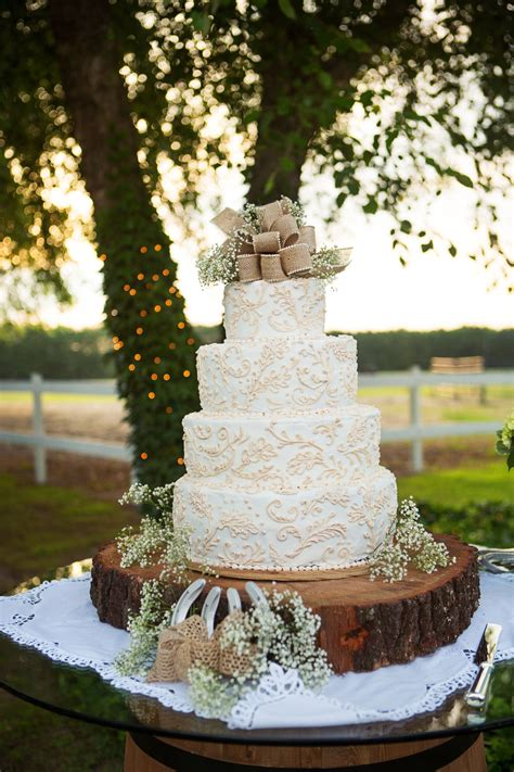 rustic burlap  lace wedding cake