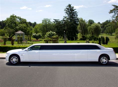 Limousine Luxury by Stretch Limousines Luxury Limousine