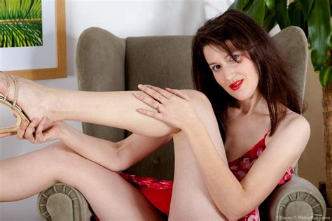 Tiffanny Has A Very Hairy Pussy She Is Hiding Under A