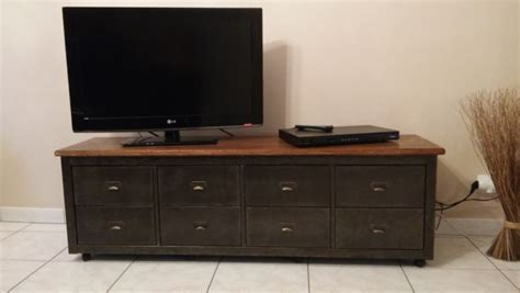 peindre meuble cuisine mélaminé banc télé de style industriel avec kallax