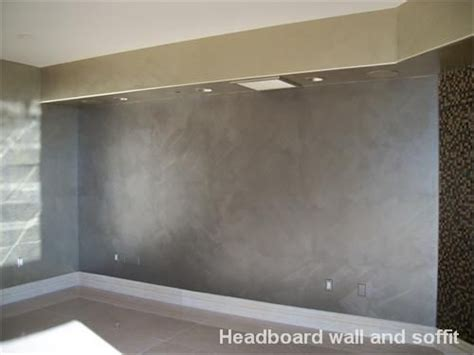 Wand Silber Streichen by Metallic Silver Wall Paint Scuffmaster Metallic Brushed