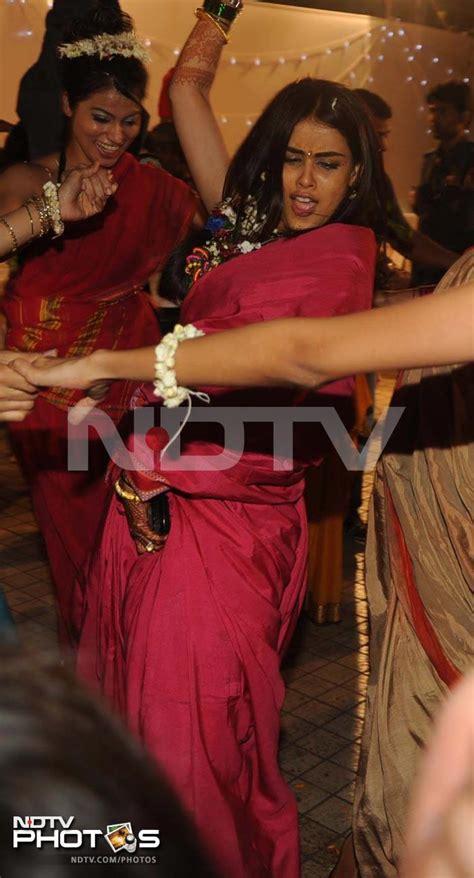 genelia enjoys  pre wedding function bollywoodaddict