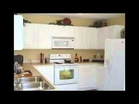 youtube painting kitchen cabinets how to paint white kitchen cabinets youtube
