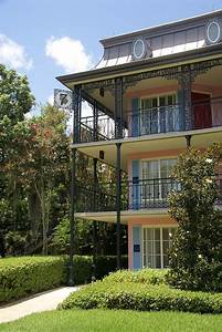 Disney's Port Orleans French Quarter grounds and buildings ...