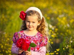 Little baby girl with red rose flowers - New hd ...