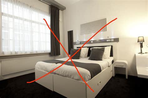 place du lit dans une chambre un lit feng shui à 100 le feng shui facile