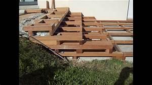 terrasse bois escalier bois dallage pierre naturelle With terrasse en bois sur plot