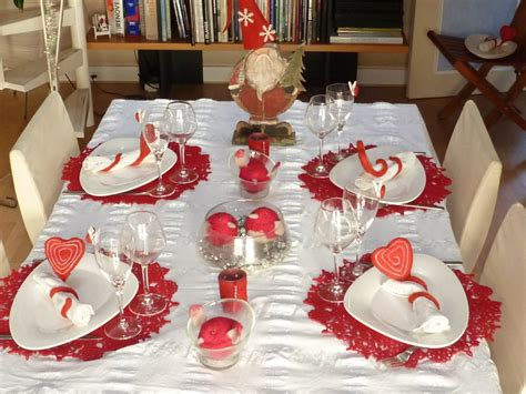 chambre enfant deco de noel table table de noel rouge