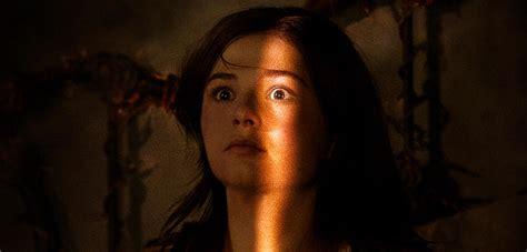Insidious: Chapter 3 - Bizarre Bilder im finsteren Trailer