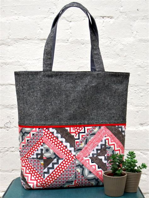string patchwork tote tutorial favequiltscom