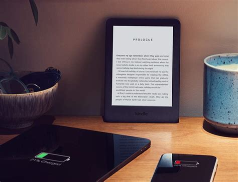 Kindle With Light by The New Kindle E Reader Comes With A Built In Front Light