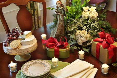 holiday decorating  haves decorating den