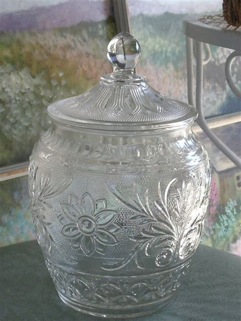 clear depression style glass cookie jar  lid anchor