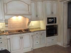 galley kitchen layout ideas 20 inspiring shabby chic kitchen design ideas