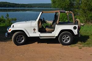 1998 Jeep Wrangler Tj Sahara Edition - 4 0l 5 Speed