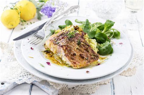 sandre cuisine recette sandre rôti à l huile fumée mijotée de pois
