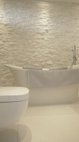 natural stone bathroom feature wall concept design