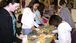 SMS students make cards for troops - The Suffolk News ...
