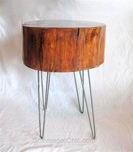 Diy wood slice end table scavenger chic for Sliced log coffee table