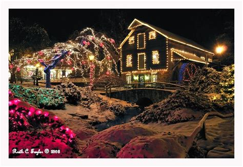 pictures of peddlers village christmas the seasons