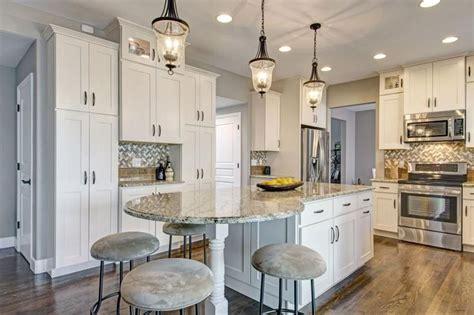 painters kitchen cabinets best 25 kitchen island ideas on 1392