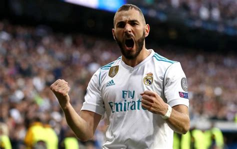 Happy Benzema targeting 'history' at Real Madrid
