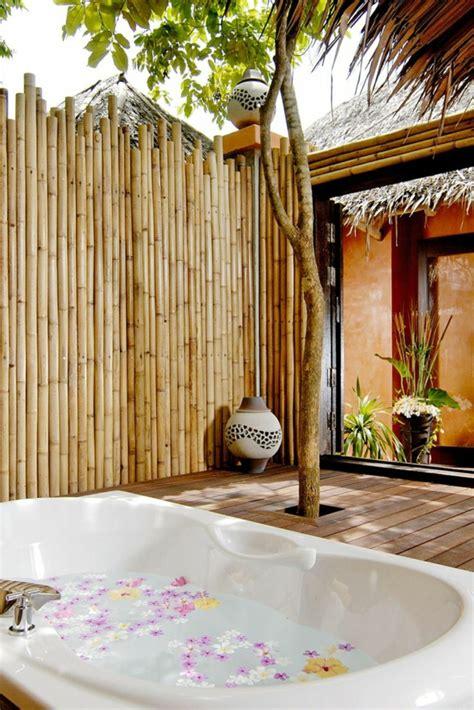 garten sichtschutz bambus whirlpool im garten g 246 nnen sie sich diese besonde entspannung