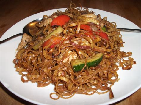 what is chicken chow mein khoo s chilli chicken chow mein khoo s hot house