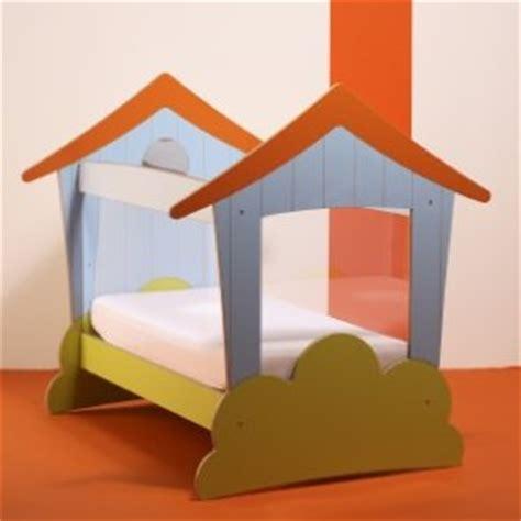 chambre jeujura lit maison bleue famili fr