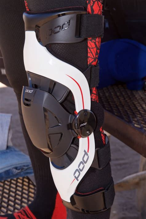 pod  knee brace review mimics human ligaments  comfort