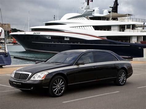 mercedes  building   expensive luxury sedan