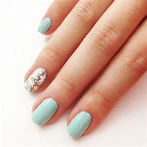 Simple snowflake nail art popsugar beauty