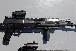 Russia starts trial tests of the new AK-12 Kalashnikov ...