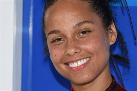 People Are Criticizing Alicia Keys After She Didn't Wear