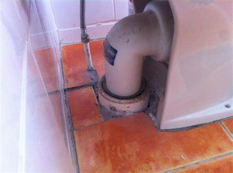 toilet  fit   floor soil pipe