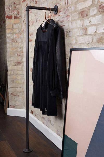 Kleiderständer Aus Wasserrohren by Garderobenstange F 252 R Die Wand In 2019 Regale