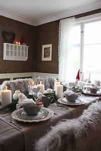 Grey-christmas-table-decorations