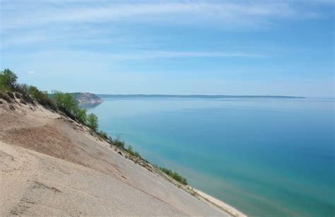 scenic drive sleeping bear dunes national lakeshore