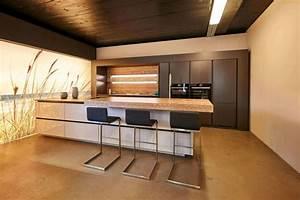 Moderne Küchen Ideen : moderne k che mit bar 6 ideen f r eine bartheke aus holz stein und beton dan k chen ~ Sanjose-hotels-ca.com Haus und Dekorationen