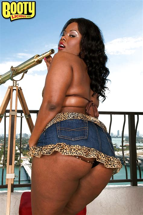 Black Bbw Girl In Jean Miniskirt Keita Eden Demonstrates
