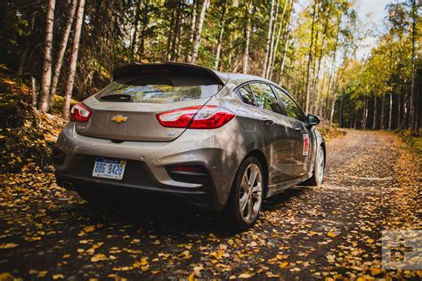 chevrolet cruze hatch diesel  drive review