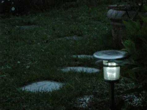 Solarlampen Im Garten Youtube