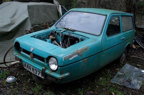 cult cars  denbighs reliant robin graveyard urban