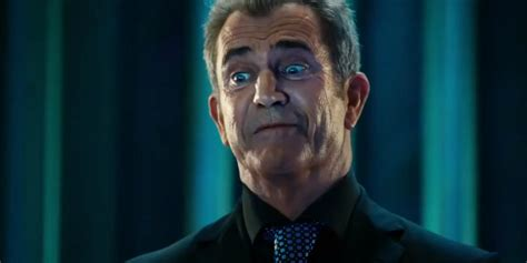 mel gibson  suing   latest  cinemablend